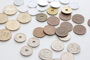 五円玉はなぜ数字じゃなくて漢字で描かれてるの?