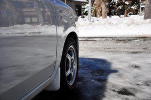 知ってた?ノーマルタイヤで積雪・凍結道路を運転するのは法令違反